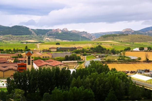 Weingüter und bauernhöfe in der umgebung von haro