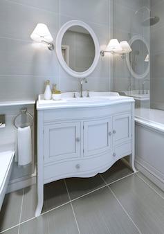 Weiße art-deco-waschbeckenkonsole im badezimmer