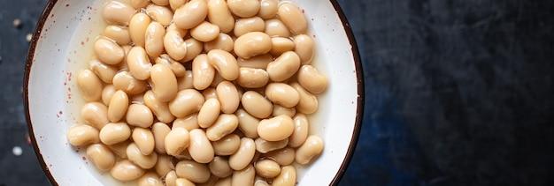 Weiße bohnen bereit zu essen bohnen gekochte diät hülsenfrüchte auf dem tisch gesundes essen