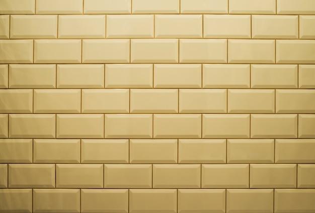 Weiße keramikmauer
