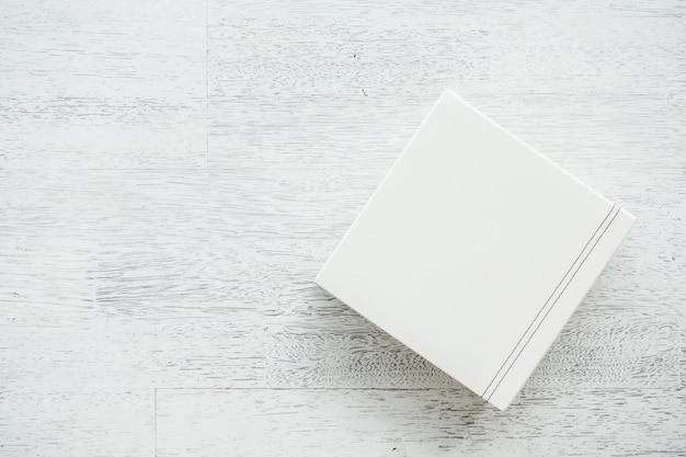 Weiße lederbox