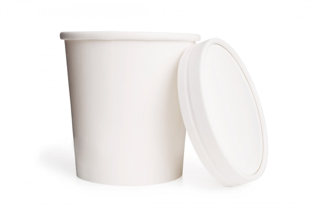 Weiße leere pappbecher mit deckel