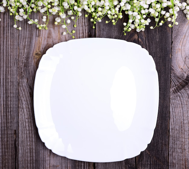 Weiße leere platte