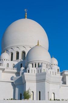 Weiße moschee von abu dhabi sheikh zayed
