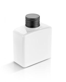 Weiße plastikflasche für kosmetik- oder toilettenartikel