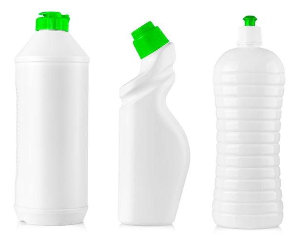 Weiße reinigungsgeräteflaschen isoliert auf einem weiß