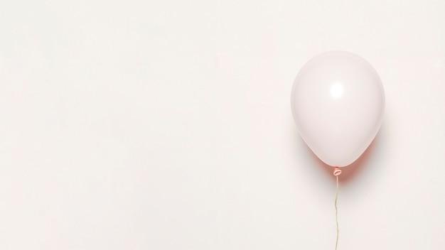 Weißer ballon