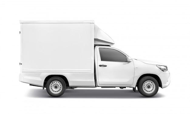 Weißer kleintransporter mit containerkasten-dachgepäckträger für den transport