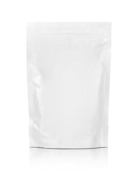 Weißer reißverschlussbeutel der leeren verpackung lokalisiert auf weiß mit beschneidungspfad bereit für lebensmittelproduktverpackungsdesign
