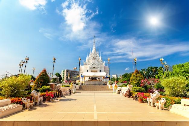 Weißer tempel in thailand.