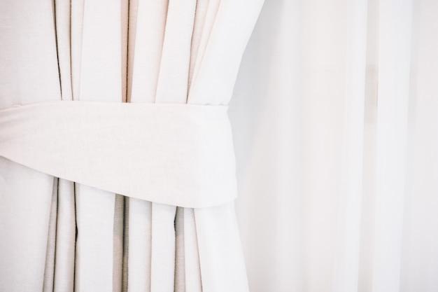 Weißer vorhang