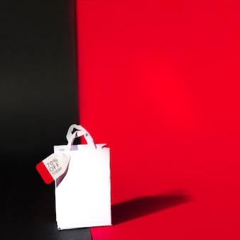 Weißes einkaufspaket