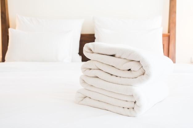 Weißes handtuch