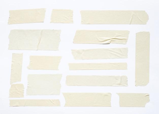 Weißes klebeband-set isoliert auf weißem hintergrund