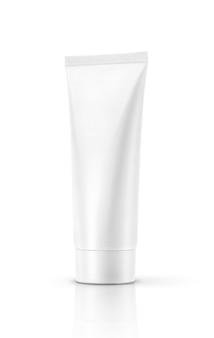 Weißes kosmetisches rohr der leeren verpackung lokalisiert
