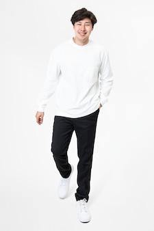 Weißes langarmshirt für herren freizeitbekleidung