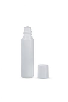 Weißes plastikauge lässt die flasche fallen, die auf weiß lokalisiert wird