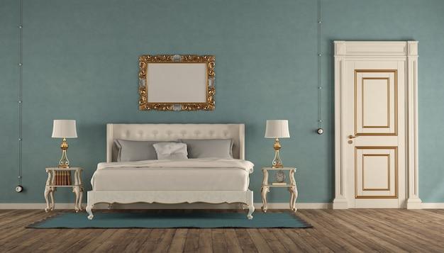 Weißes und blaues klassisches hauptschlafzimmer