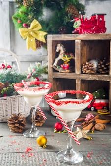 Weißes weihnachtscocktail
