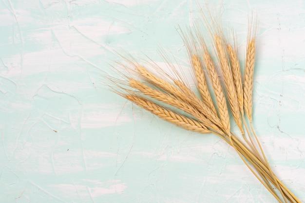 Weizen auf dem tisch