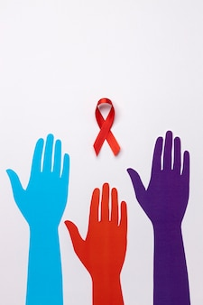 Welt-aids-tag-konzept-sortiment mit bandsymbol