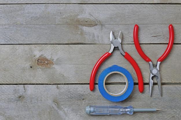 Werkzeug für reparaturelektriker