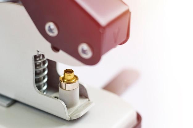 Werkzeug oder manuelle maschine zum installieren der öse locher und tüllen-installer