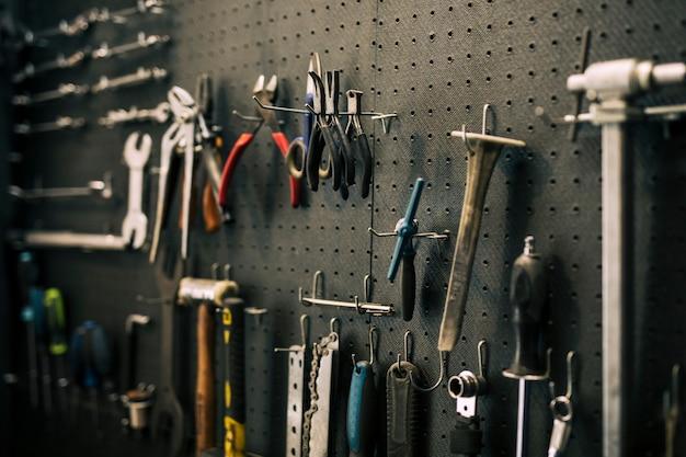 Werkzeuge einer reparaturwerkstatt