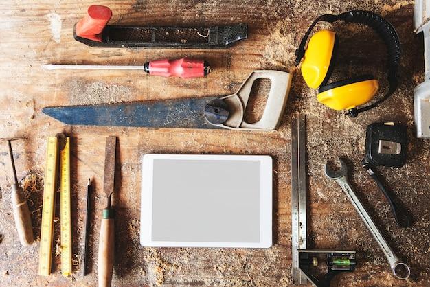 Werkzeuge für holzarbeiten mit kopienraum