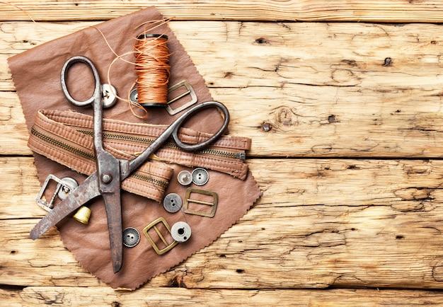 Werkzeuge für lederhandwerk