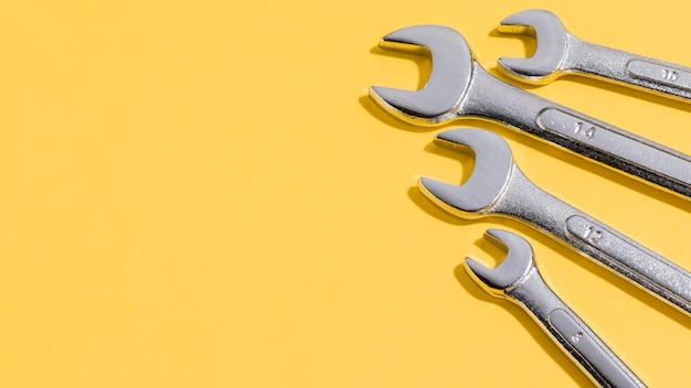 Werkzeuge für mechaniker mit kopierraum