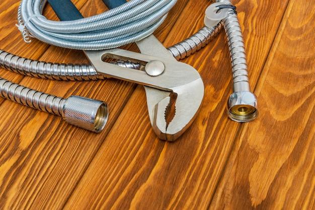Werkzeuge für sanitär und zubehör in verschiedenen ausführungen anwendung