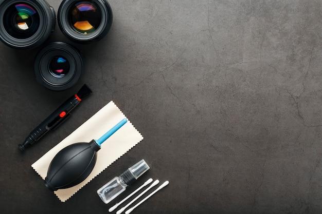 Werkzeuge zum reinigen der kamera mit objektiven