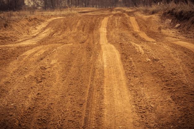 Wheel track auf dem sand gefiltert