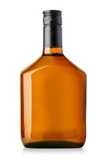 Whiskyflasche isoliert auf weißem hintergrund Premium Fotos
