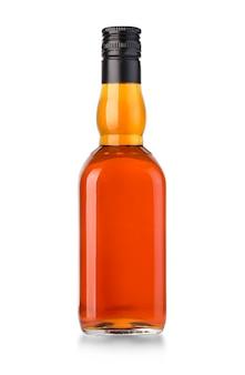 Whiskyflasche lokalisiert auf weiß mit beschneidungspfad
