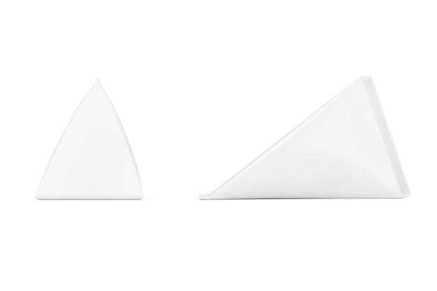 White cardboard triangle box cream, juice oder milk pack mock up auf weißem hintergrund. 3d-rendering