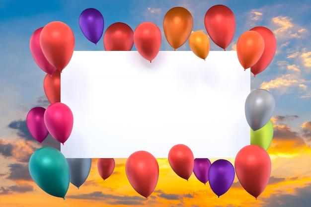Whiteboard mit bunten luftballons am sonnenuntergangshimmel