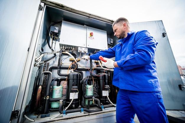 Widerstandsprüfung von temperatursensoren im kühlvorlauf des lüftungsgerätes