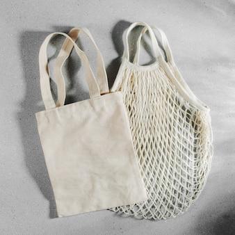 Wiederverwendbare einkaufstaschen aus stoff. zero waste, plastikfreies konzept.