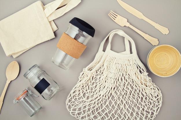 Wiederverwendbare taschen, gläser und kaffeetassen für einen kunststofffreien und abfallfreien lebensstil