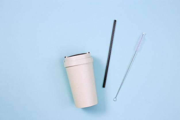 Wiederverwendbare umweltfreundliche bambusschale für kaffee zum mitnehmen und trinkhalm aus metall, ohne abfall