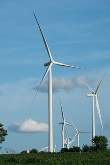 Windkraftanlage am hang