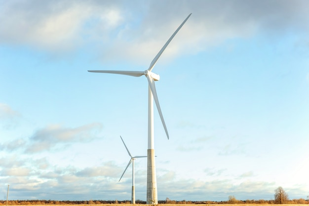 Windmühlen für die ökologie der stromerzeugung