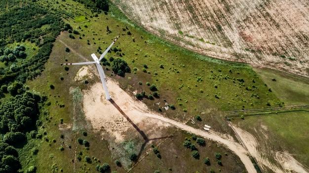 Windmühlen für luftaufnahme der stromerzeugung