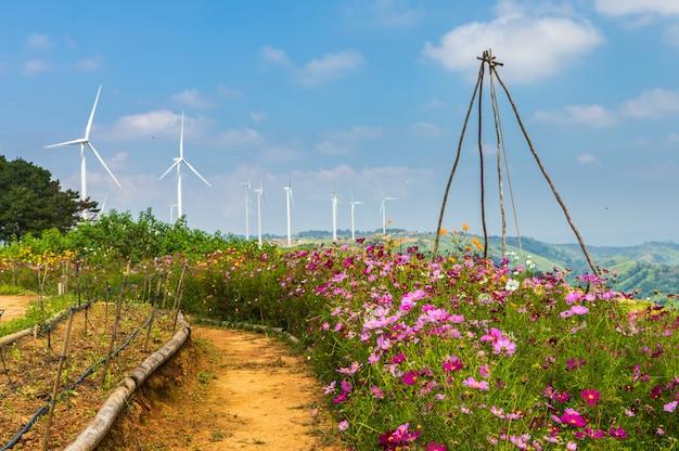Windturbine für die elektrische fertigung. saubere energie und umweltfreundlich.