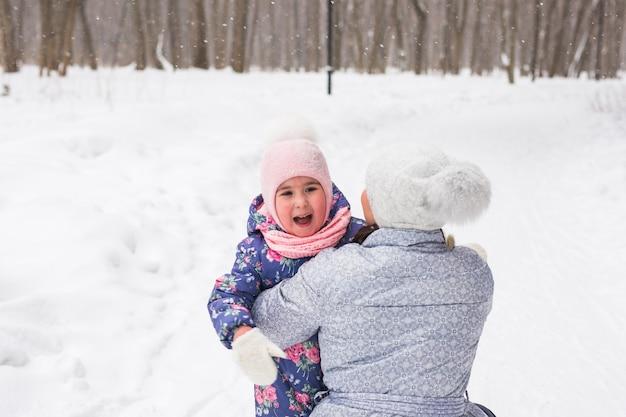 Winter-, familien- und kindheitskonzept