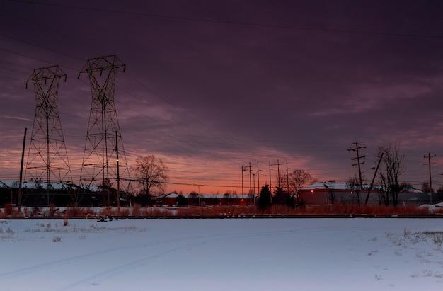 Winter sonnenuntergang über der