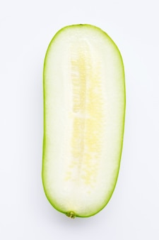 Wintermelone auf weißer wand