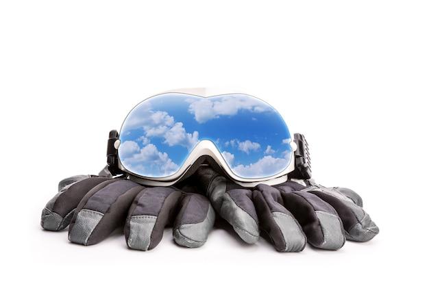 Wintersportbrille und handschuhe